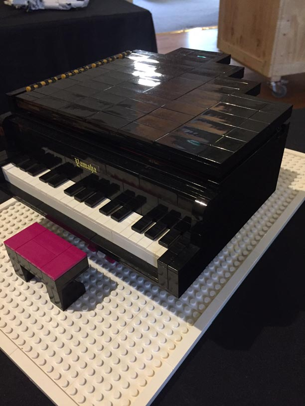Piano MOC oblique view